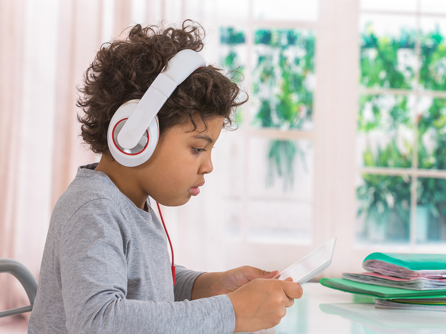 Free Audiobooks and Why You Should Try Them | Scholastic | Parents