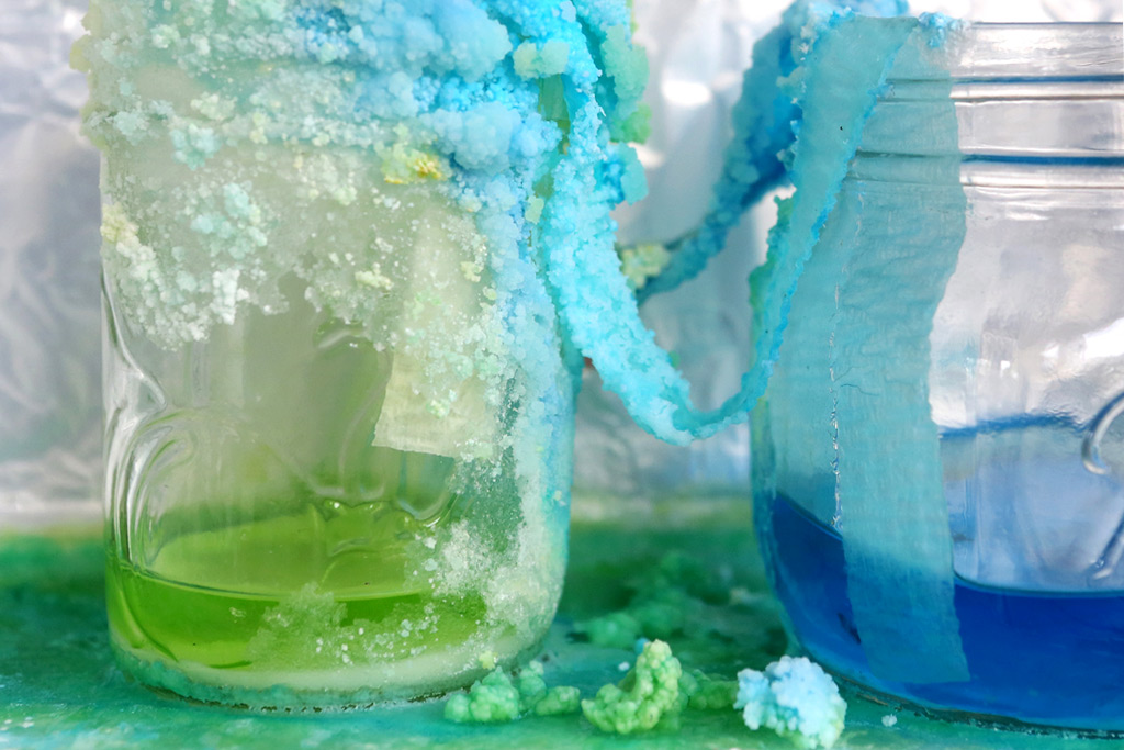 Create Baking-Soda Crystal Caves | Scholastic | Parents
