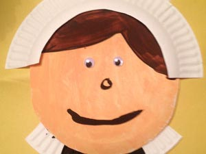 Celebrate Thanksgiving by creating friendly pilgrim faces. & Paper Plate Pilgrim Lady Craft | Scholastic
