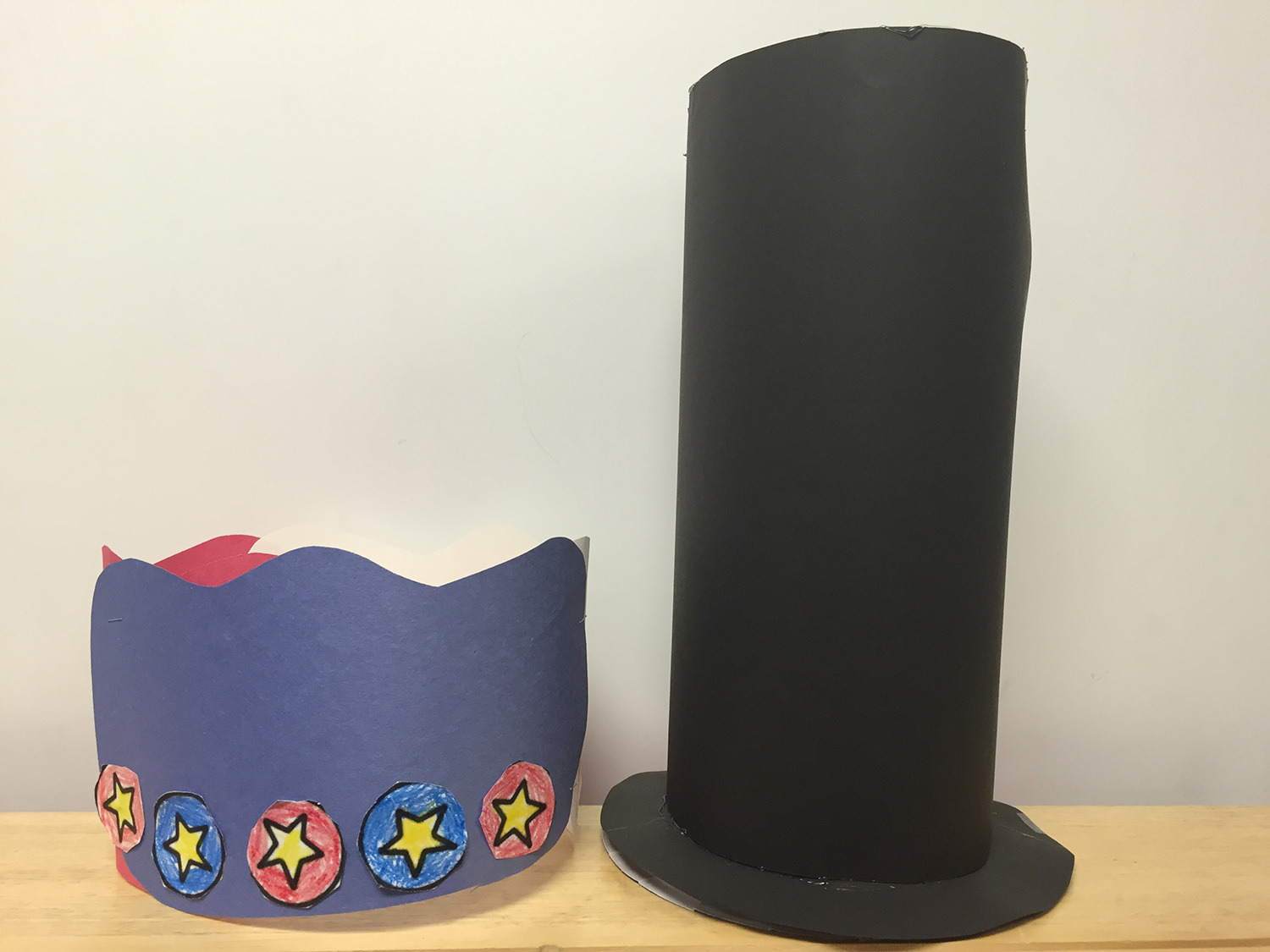 Paper tricorn and stovepipe hats