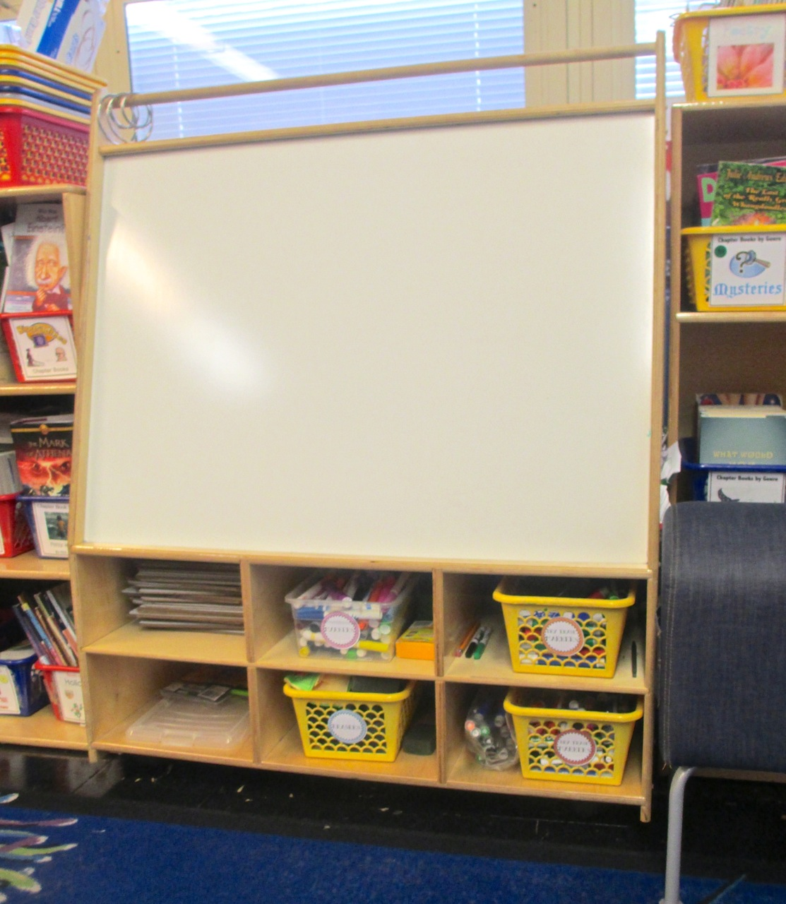 Classroom Book Ideas ~ Classroom organization ideas that really work scholastic