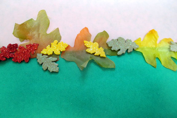 Twenty ideas for bulletin board borders scholastic when displaying border leaves thecheapjerseys