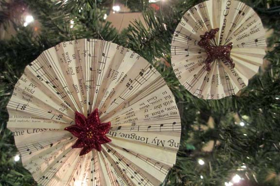 Accordian Song Ornament