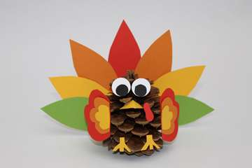 Thanksgiving Crafts for Kids: Pinecone Turkey