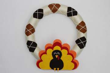 Thanksgiving Craft to Do With Kids: Turkey Wreath